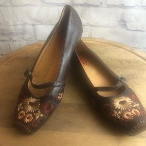Pikolinos brown floral embroidered Mary Jane flats